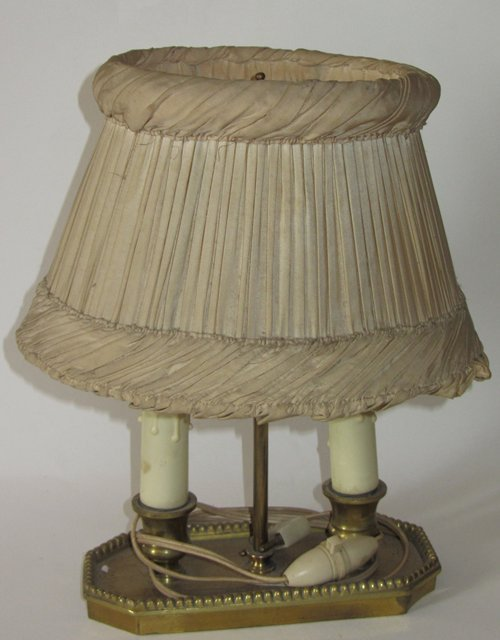 ancienne lampe bouillotte 2 lumieres abat jour ancien antique table lamp shade ebay. Black Bedroom Furniture Sets. Home Design Ideas