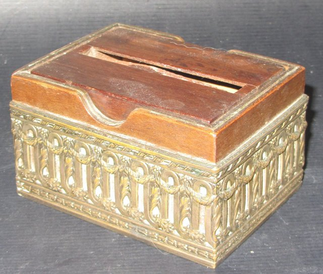 ancienne boite a cigarette en bois et bronze 1930 cigarettes dispenser box ebay. Black Bedroom Furniture Sets. Home Design Ideas